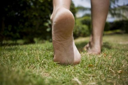 2707345255441-health-benefits-of-walking-barefoot-jpg